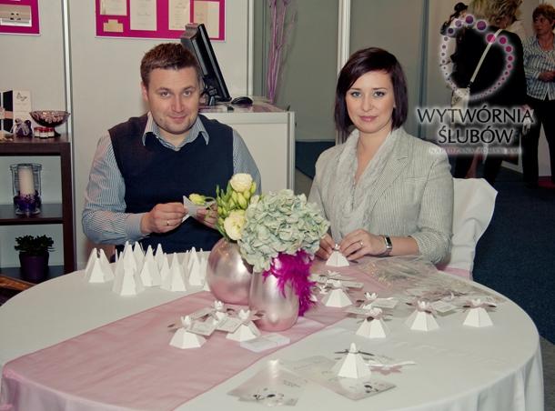 Jak można zaoszczędzić na ślubnych zaproszeniach?