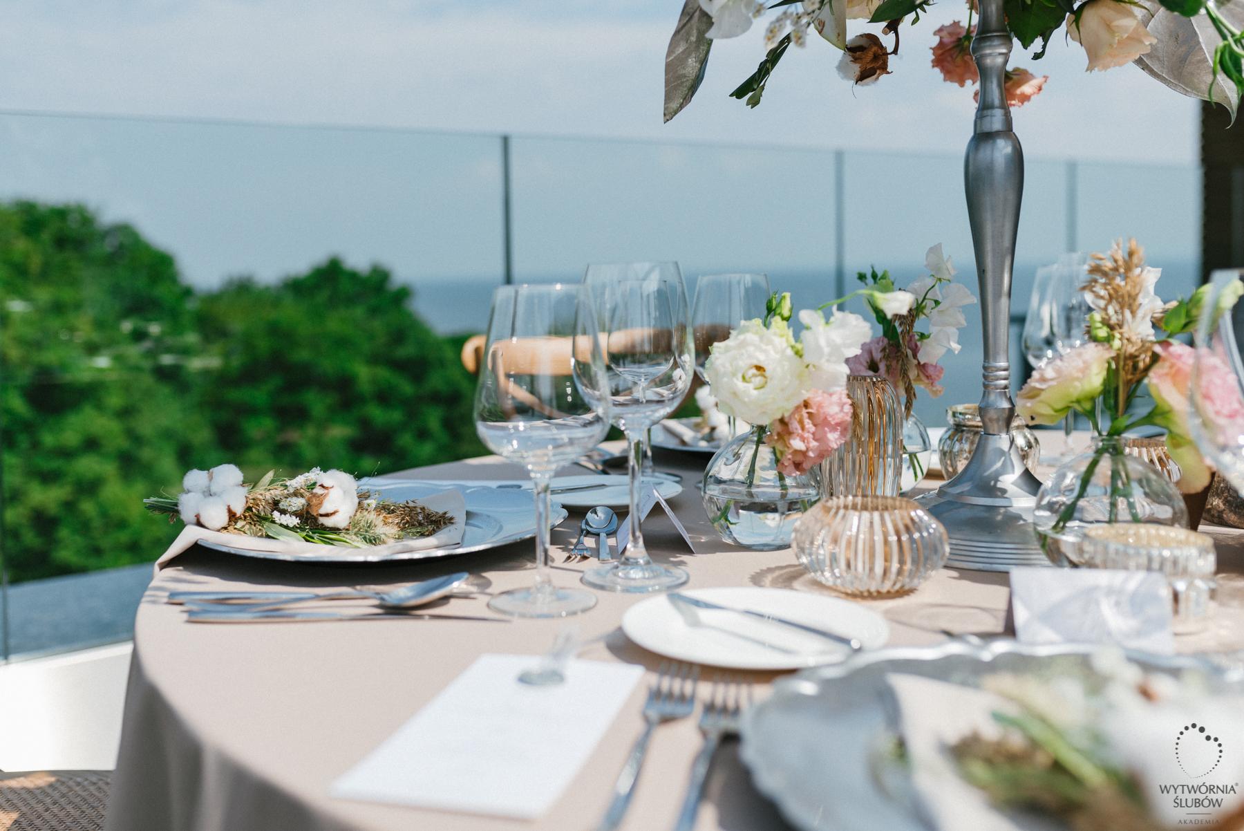 dekoracja stołu na wesele - ślubne dekoracje