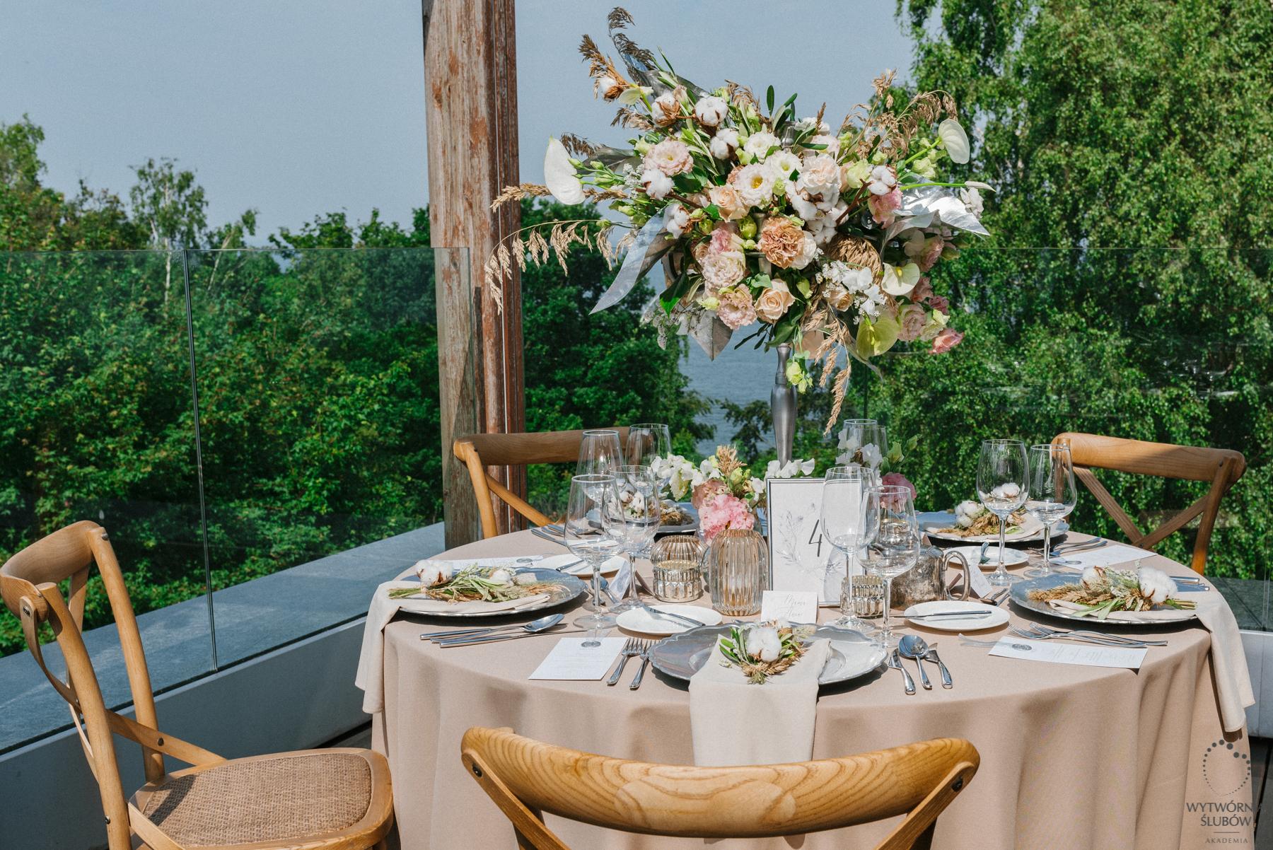 ślubne dekoracje - ozdoby stołu
