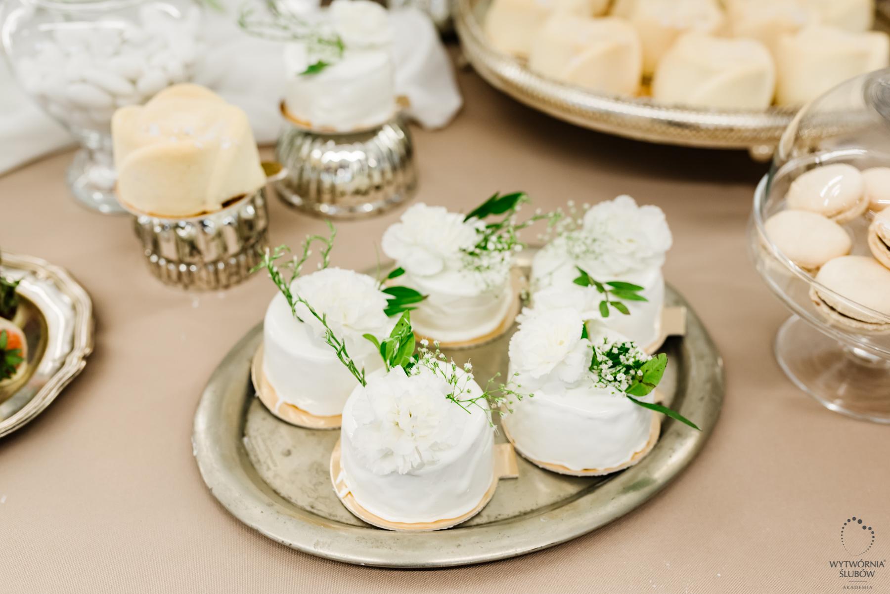 dekoracje na stół weselny - ozdoby stołu