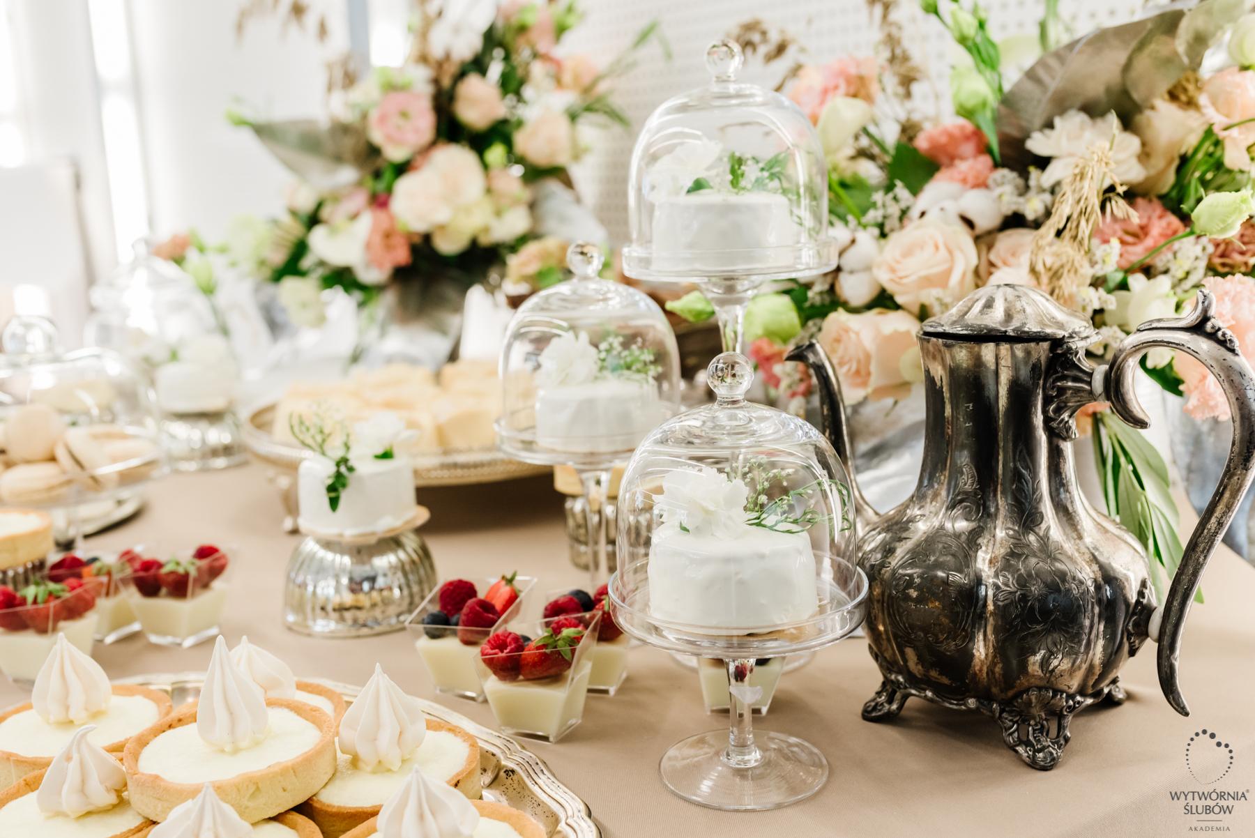 ozdoby stołu - dekoracja stołu na wesele